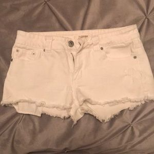 Forever 21 White Shorts Size 29